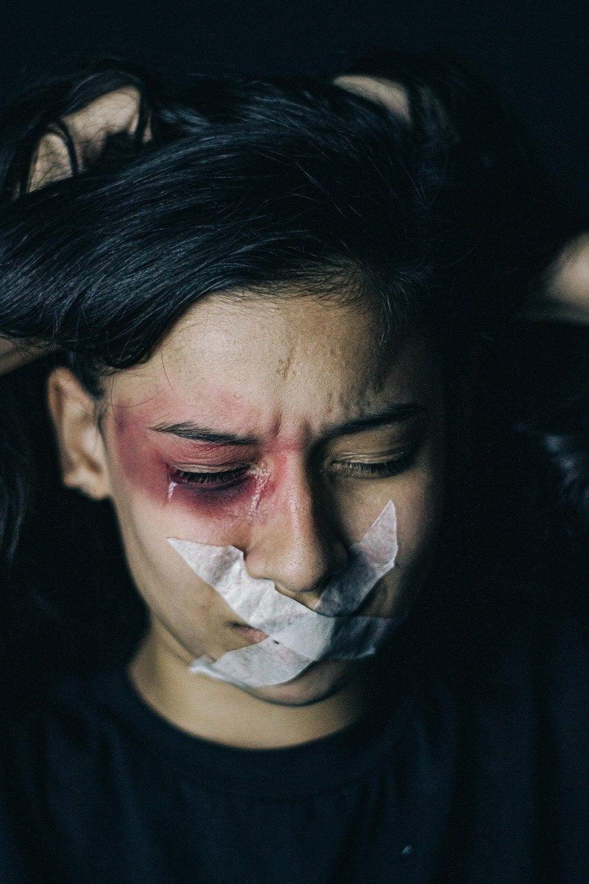 Atlas da Violência 2020: mortes de mulheres negras aumentou 12,4% e a cada 7,2 segundos uma mulher é vítima de agressão física no país.